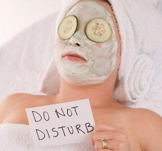 wedding skincare, bride, dermatologist, facial, skincare tips, glowing skin, rustic wedding, maine